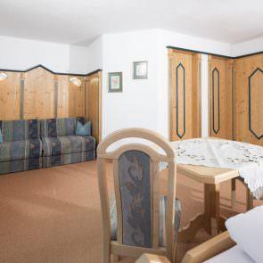 Hotelzimmer mit Ausziehbett
