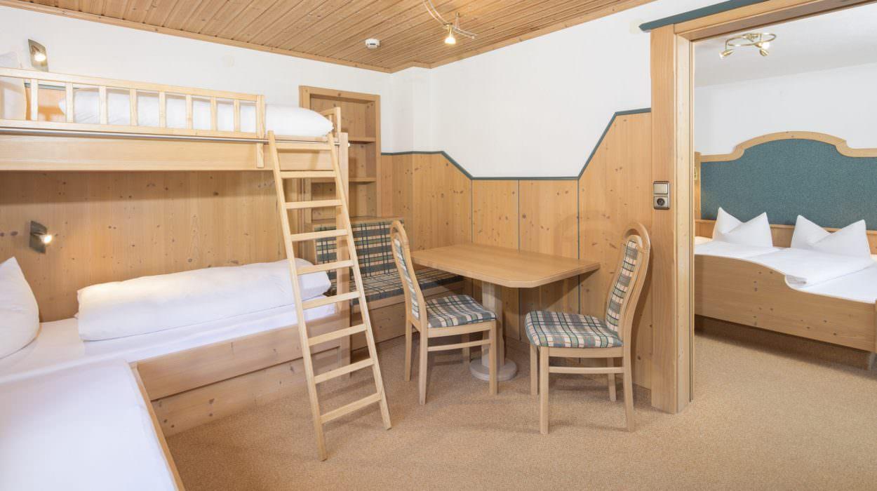 Familienzimmer mit Nebenzimmer