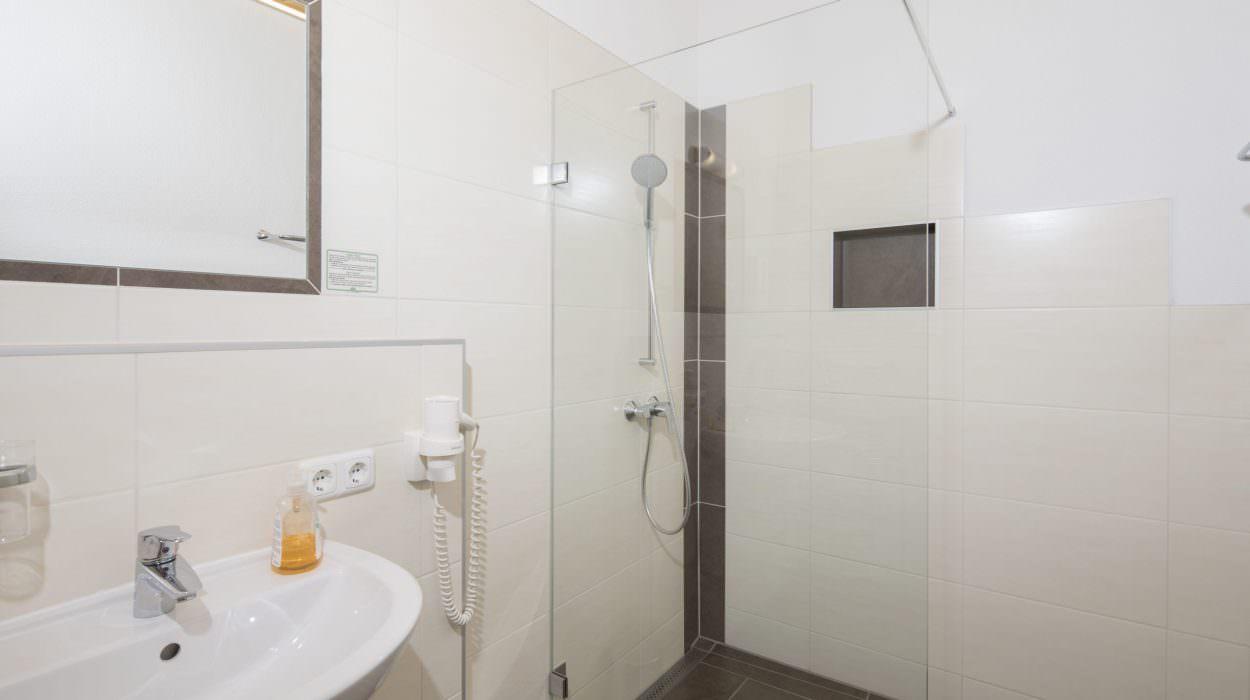 Neues Bad in unseren Hotelzimmern