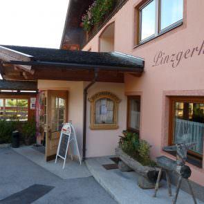 Eingang Pinzgerhof